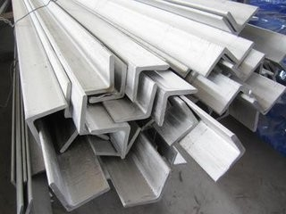 Trung Quốc Construction Structural Hot Rolled Hot Dipped Galvanized Angle Iron / Equal Angle Steel nhà cung cấp